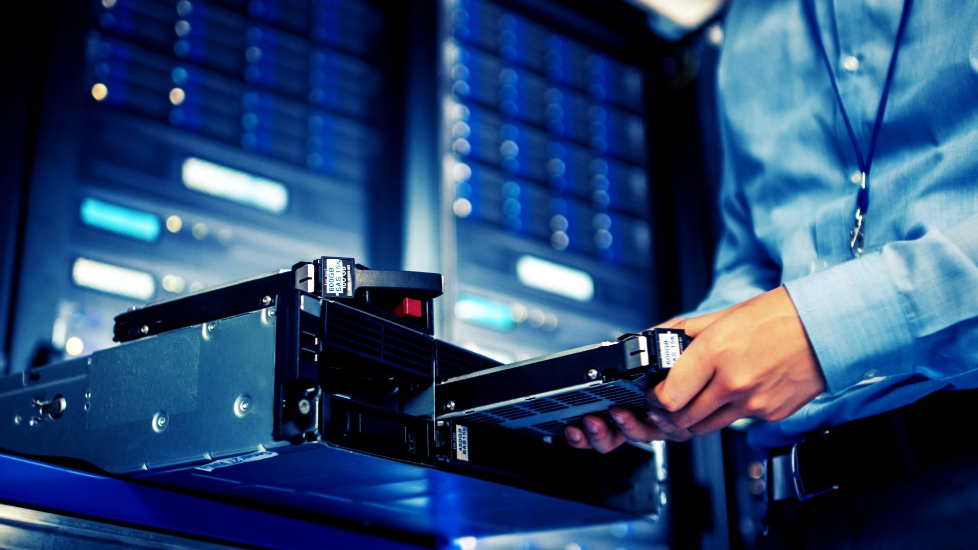 How to rack a server: Step by step installation