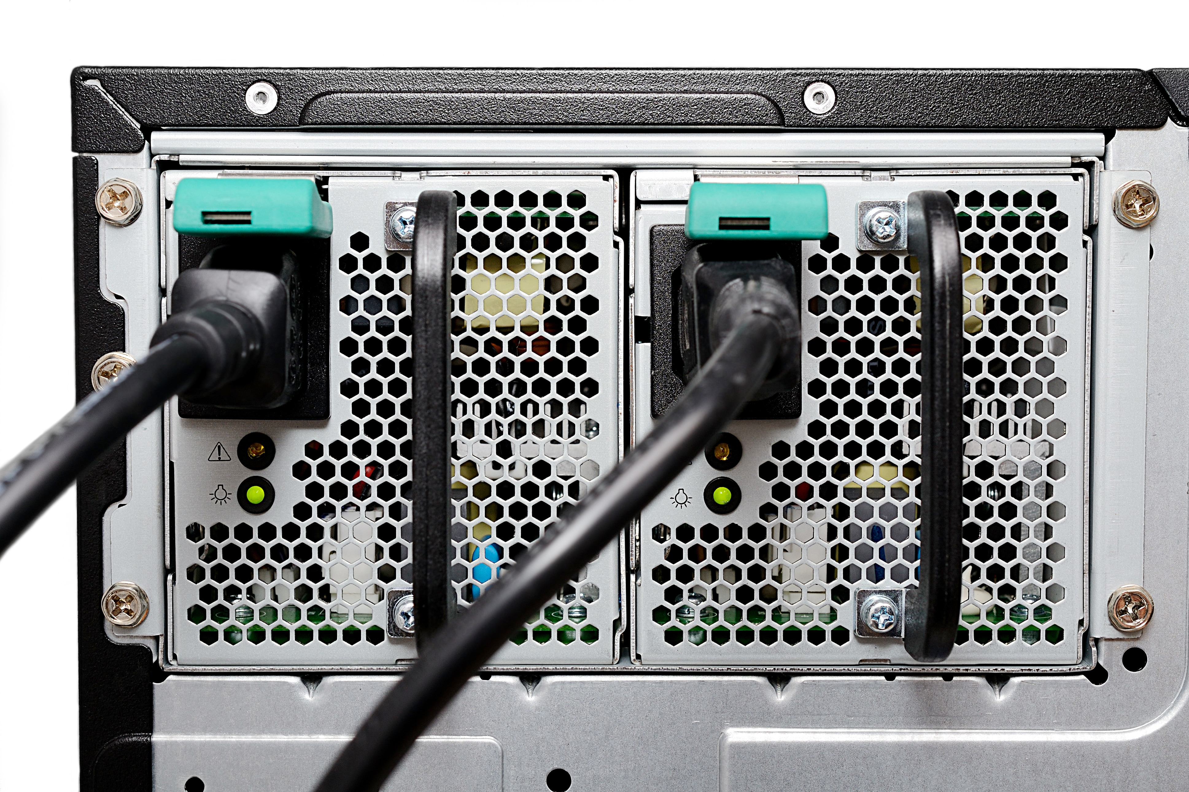 Redundant Power Supply: Why is it Important? - RackSolutions